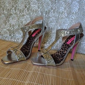 💮 Betsey Johnson Heels 💮 Gold & Silver & Pretty!